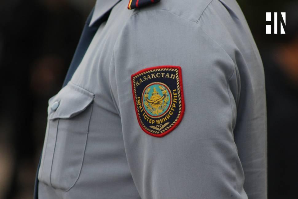 В Алматы уволили замначальника управления полиции, который избил подчиненного
