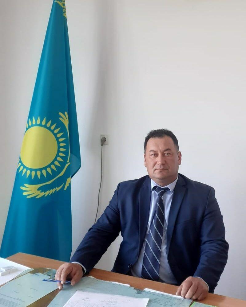 После самоубийства директора школы в селе Улкен Аксу Алматинской области местные жители требуют уволить его заместителя