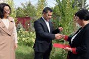Президент Кыргызстана отдал собственный дом нуждающимся